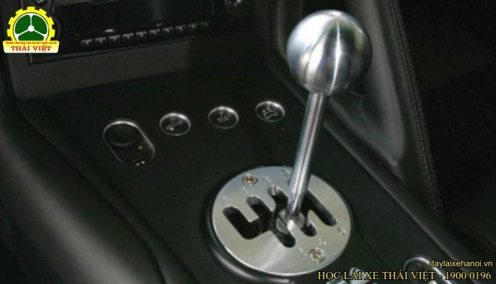 học bằng lái xe số sàn